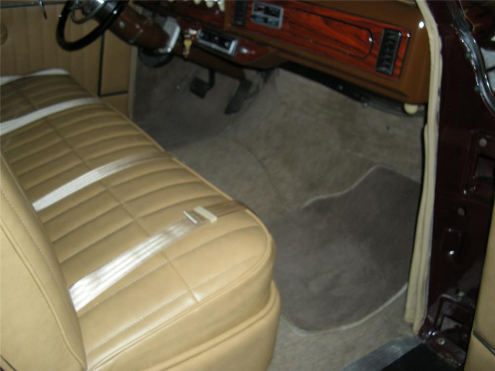 1948 PACKARD CUSTOM WOODIE WAGON - Interior - 96258