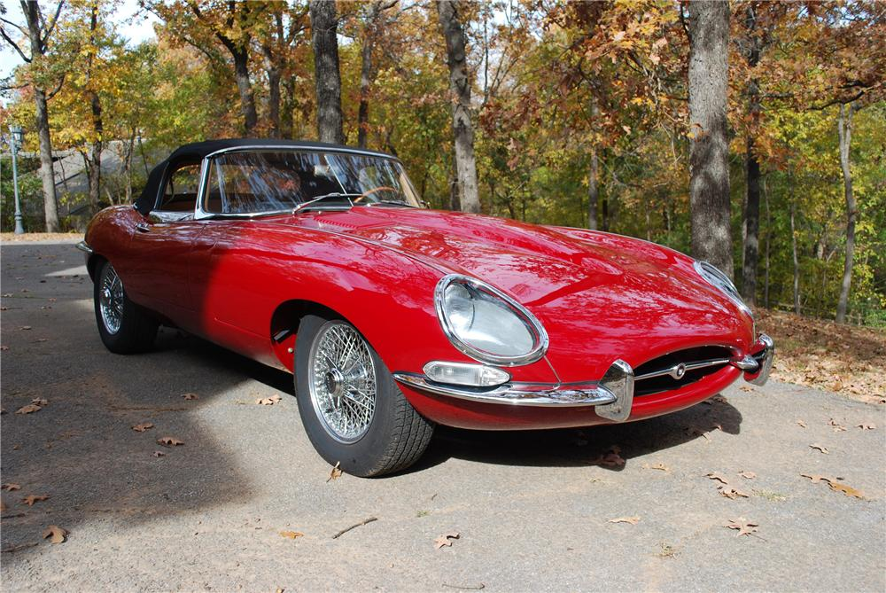 1964 JAGUAR XKE SERIES I ROADSTER - Front 3/4 - 96272