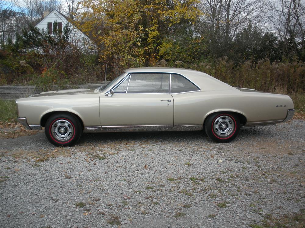 1967 PONTIAC GTO HARDTOP - Side Profile - 96279
