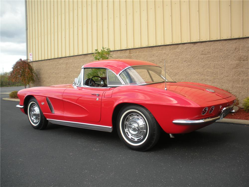 1962 CHEVROLET CORVETTE CONVERTIBLE - Rear 3/4 - 96280