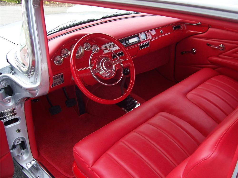 1957 FORD FAIRLANE CUSTOM 2 DOOR SEDAN - Interior - 96283