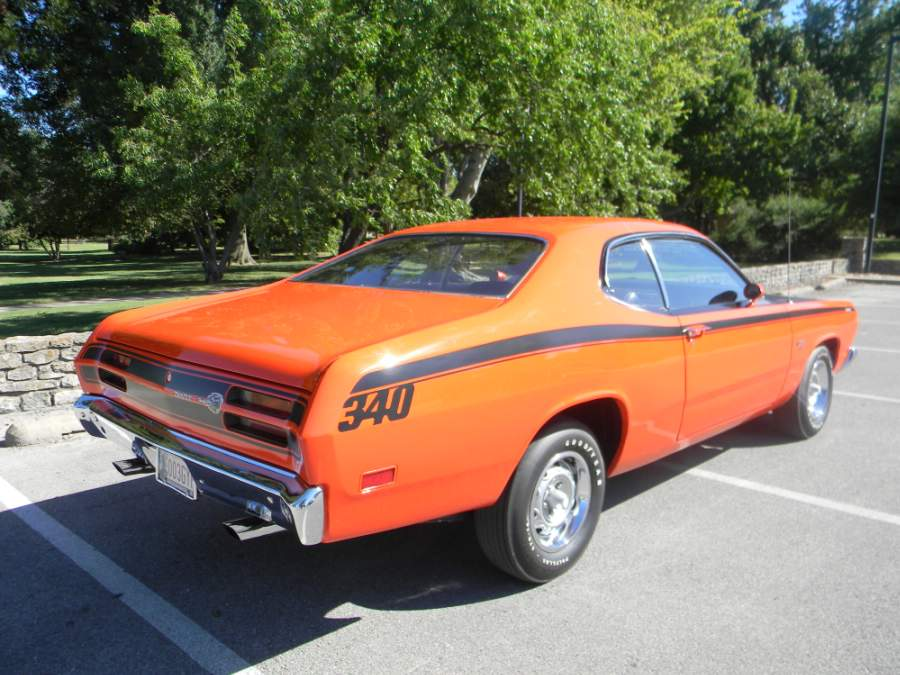1970 PLYMOUTH DUSTER 2 DOOR HARDTOP - Rear 3/4 - 96285