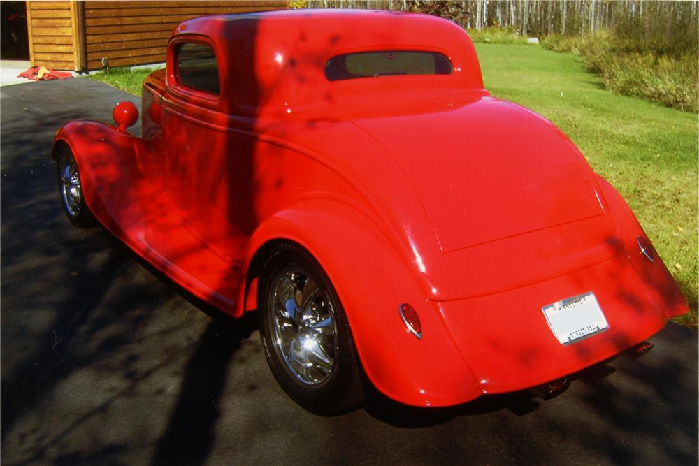 1933 FORD 3 WINDOW CUSTOM COUPE - Rear 3/4 - 96296
