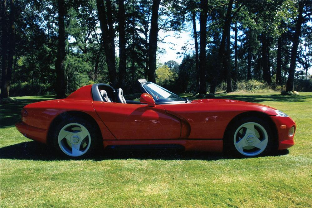 1994 DODGE VIPER ROADSTER - Side Profile - 96297