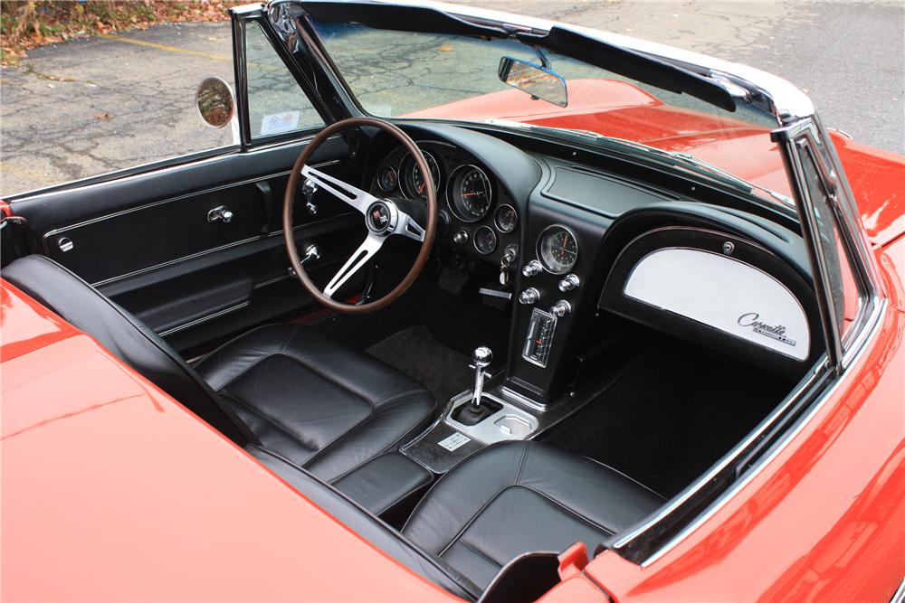 1965 CHEVROLET CORVETTE CONVERTIBLE - Interior - 96304