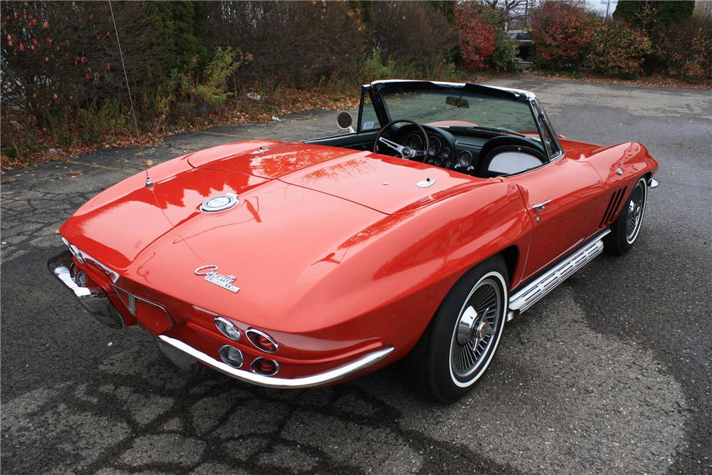 1965 CHEVROLET CORVETTE CONVERTIBLE - Rear 3/4 - 96304