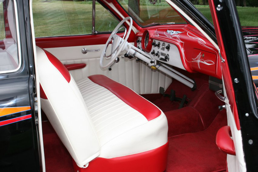 1951 FORD CUSTOM 2 DOOR  HARDTOP - Interior - 96308
