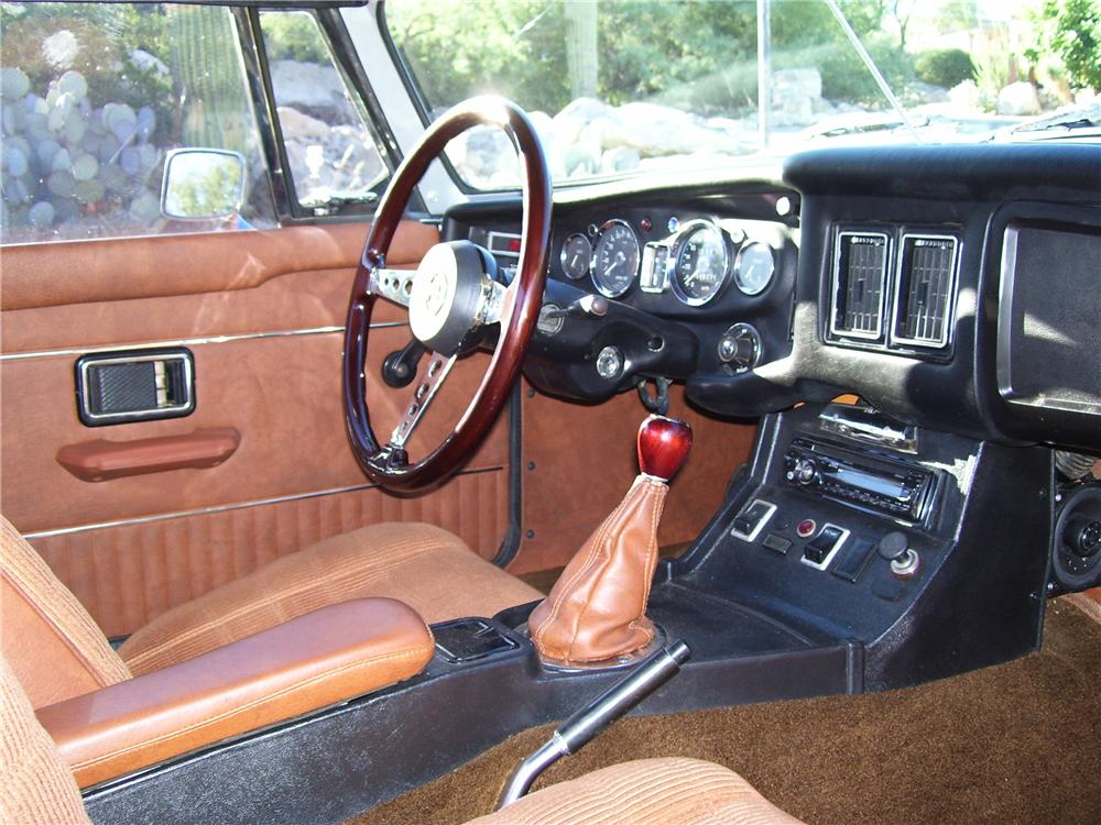 1974 MGB CONVERTIBLE - Interior - 96329