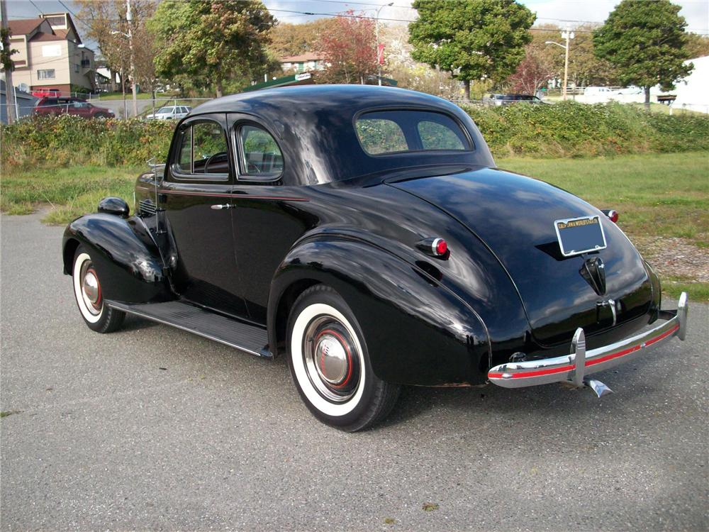 1939 CHEVROLET MASTER 85 2 DOOR COUPE - Rear 3/4 - 96342