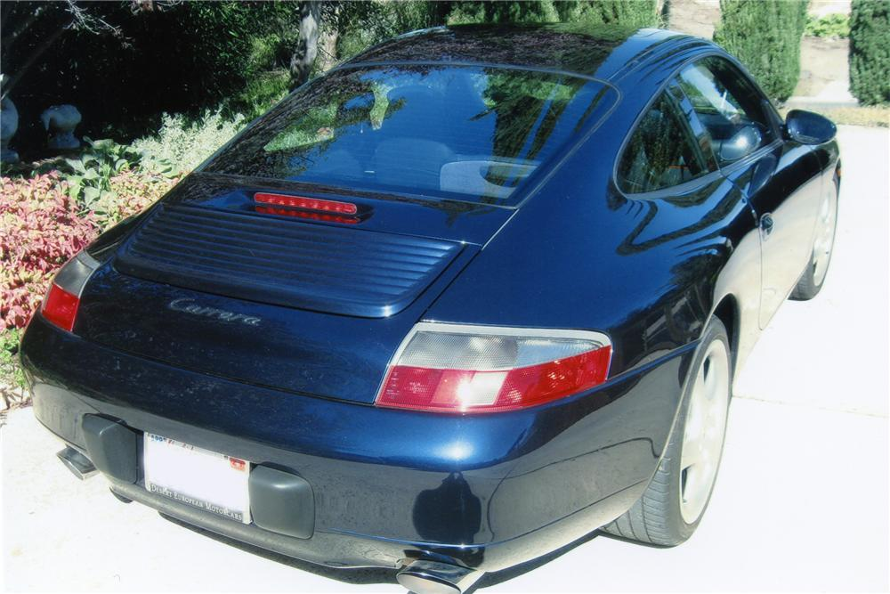 2001 PORSCHE 911 CARRERA SUNROOF COUPE - Rear 3/4 - 96344