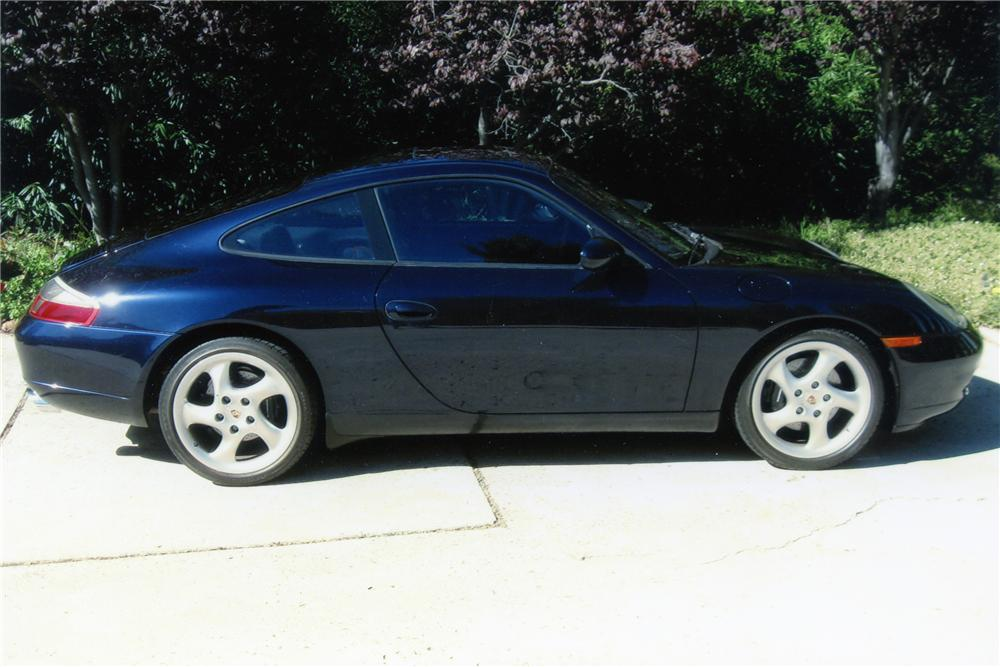 2001 PORSCHE 911 CARRERA SUNROOF COUPE - Side Profile - 96344