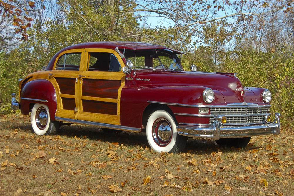 1947 CHRYSLER TOWN & COUNTRY WOODY SEDAN - Front 3/4 - 96359