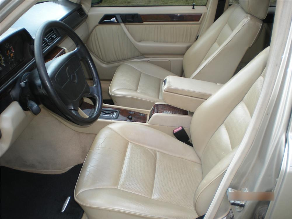 1995 MERCEDES-BENZ E420 SEDAN - Interior - 96365