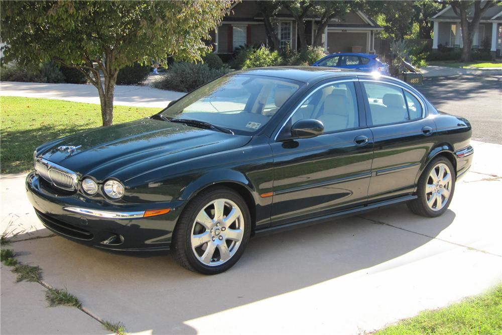 2004 JAGUAR X-TYPE SEDAN - Front 3/4 - 96372