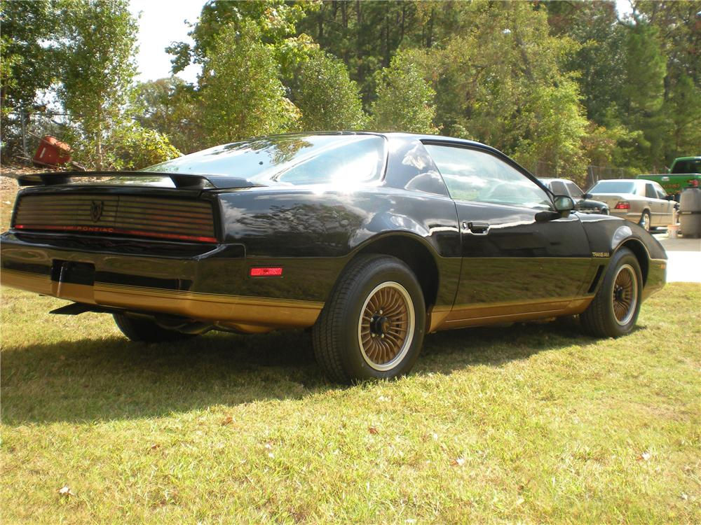 1983 PONTIAC FIREBIRD TRANS AM COUPE - Rear 3/4 - 96375