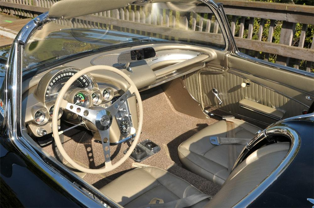 1962 CHEVROLET CORVETTE CONVERTIBLE - Interior - 96379