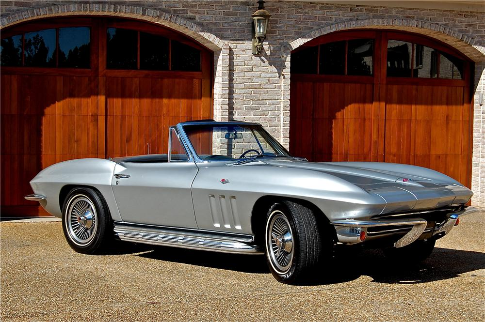 1965 CHEVROLET CORVETTE CONVERTIBLE - Front 3/4 - 96430