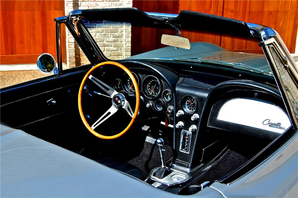 1965 CHEVROLET CORVETTE CONVERTIBLE - Interior - 96430