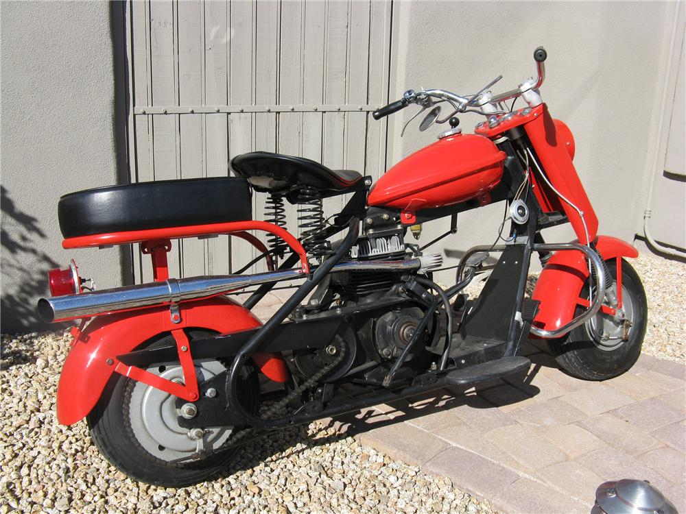 1959 CUSHMAN EAGLE SCOOTER - Front 3/4 - 96441