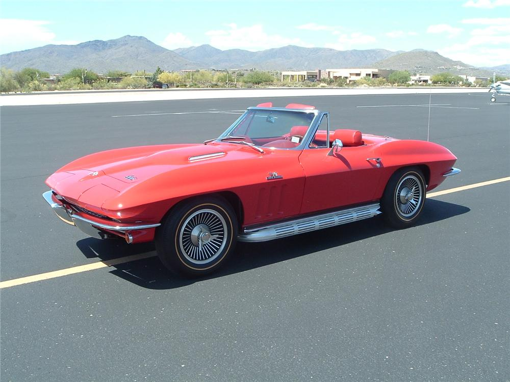 1966 CHEVROLET CORVETTE CONVERTIBLE - Front 3/4 - 96452