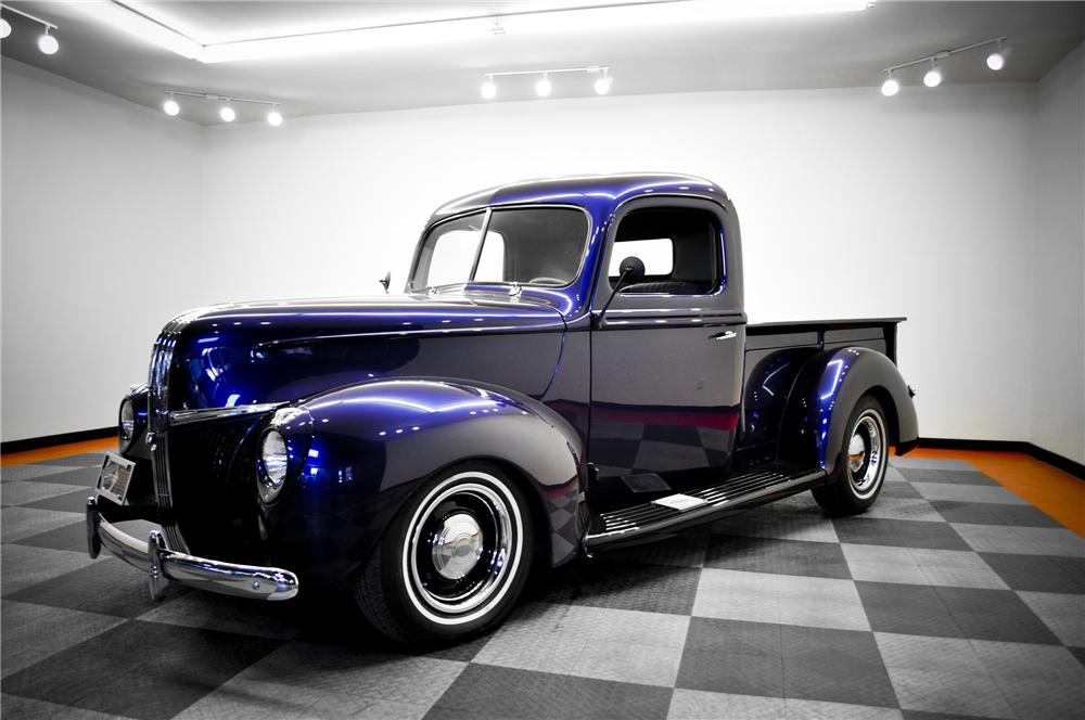 1941 FORD CUSTOM FLARESIDE PICKUP - Front 3/4 - 96462