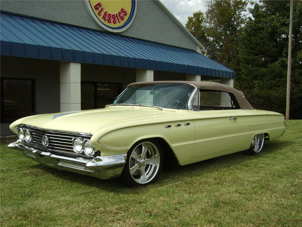 1961 BUICK LE SABRE CUSTOM CONVERTIBLE - Front 3/4 - 96468