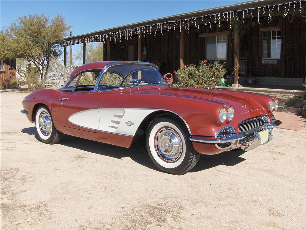 1961 CHEVROLET CORVETTE CONVERTIBLE - Front 3/4 - 96469