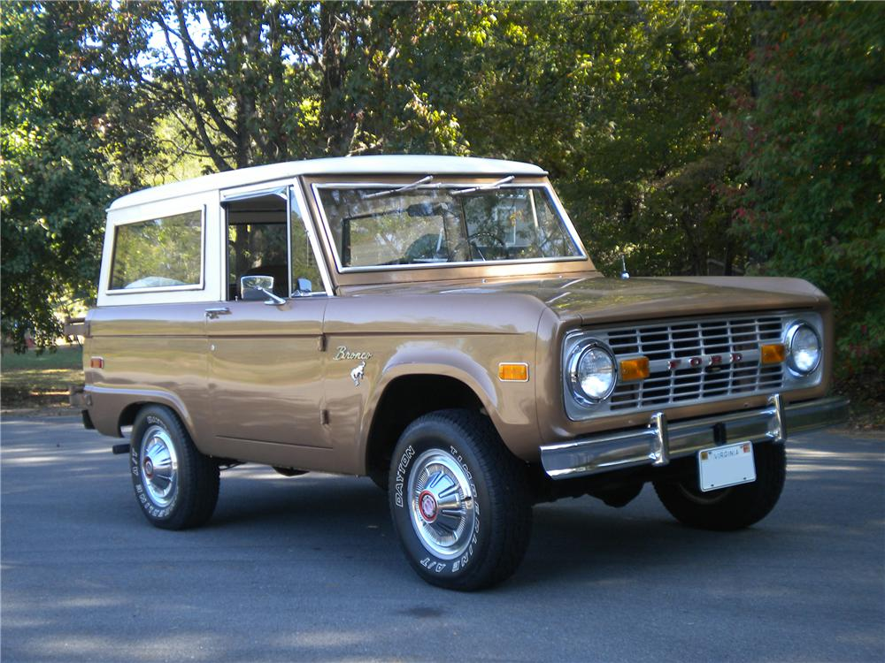 1973 FORD BRONCO WAGON - Front 3/4 - 96472