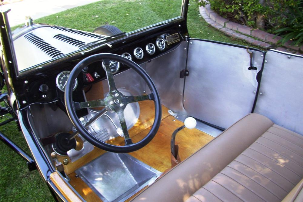 1924 FORD MODEL T CUSTOM ROADSTER - Interior - 96476