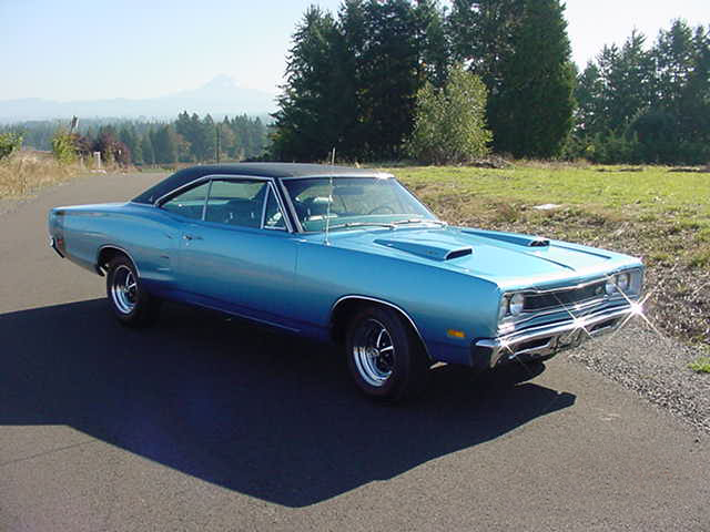1969 DODGE SUPER BEE CUSTOM 2 DOOR HARDTOP - Front 3/4 - 96480