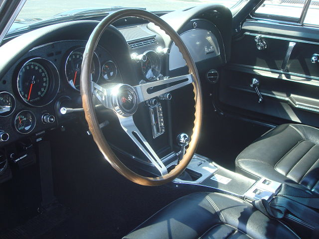 1964 CHEVROLET CORVETTE COUPE - Interior - 96505
