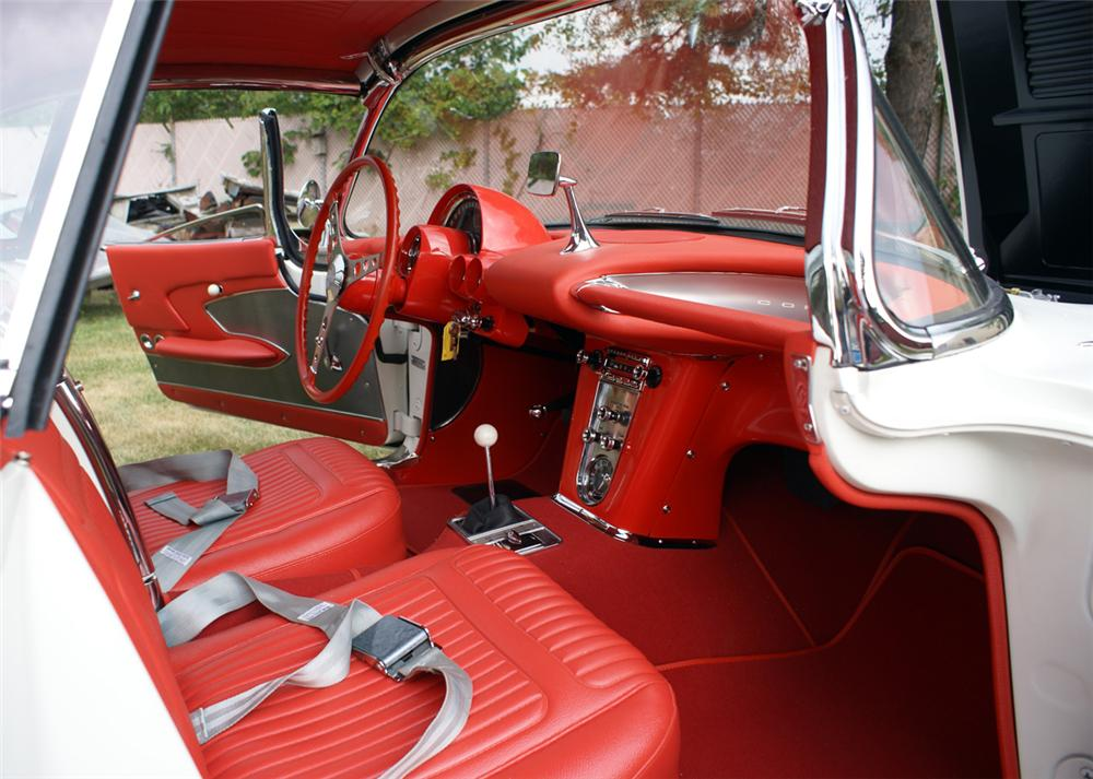 1958 CHEVROLET CORVETTE ROADSTER - Interior - 96513