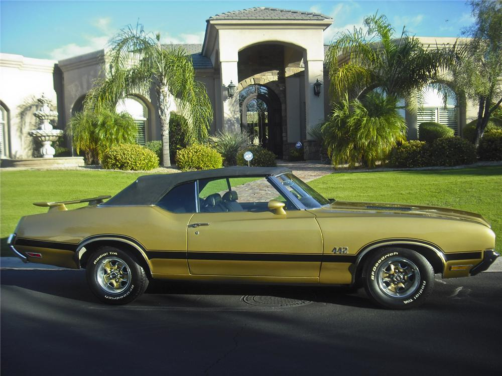 1972 OLDSMOBILE CUTLASS SUPREME CUSTOM CONVERTIBLE - Side Profile - 96521