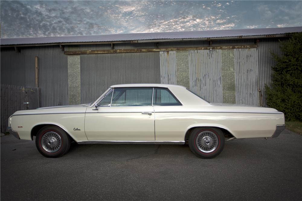 1964 OLDSMOBILE 442 COUPE - Side Profile - 96523