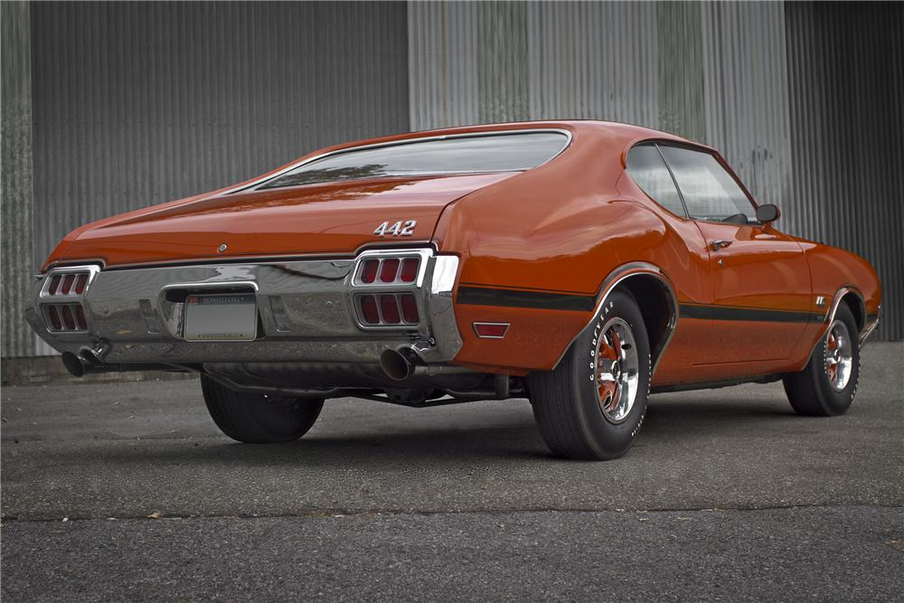 1972 OLDSMOBILE 442 W30 COUPE - Rear 3/4 - 96524
