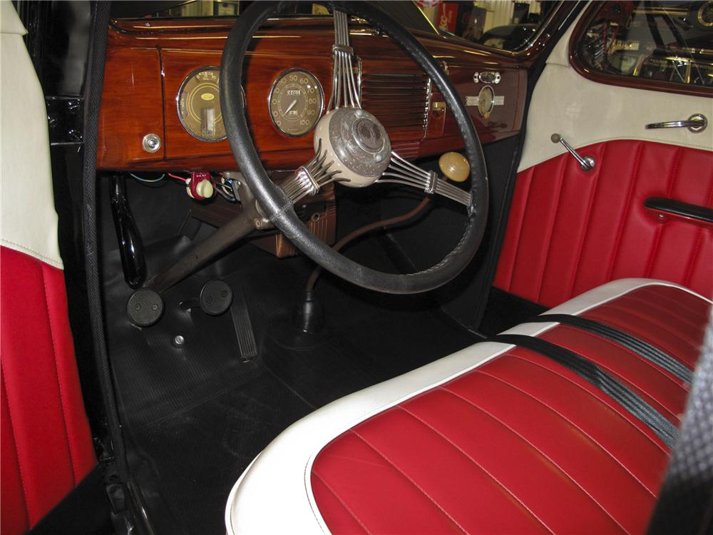1939 FORD DELUXE CUSTOM 2 DOOR COUPE - Interior - 96527