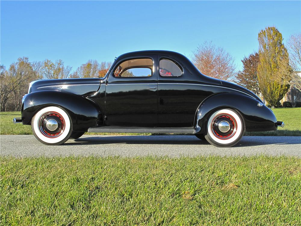 1939 FORD DELUXE CUSTOM 2 DOOR COUPE - Side Profile - 96527