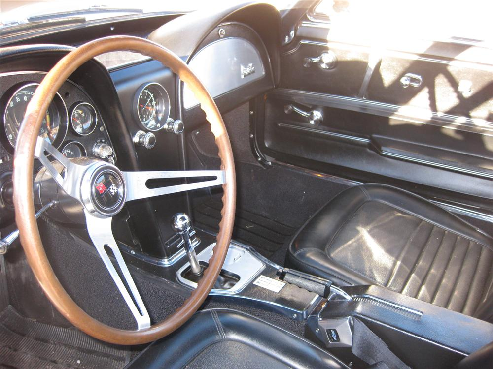 1967 CHEVROLET CORVETTE CONVERTIBLE - Interior - 96545