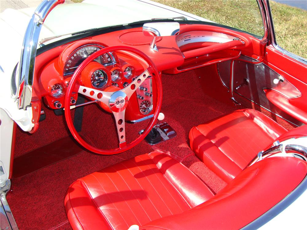 1960 CHEVROLET CORVETTE CONVERTIBLE - Interior - 96574