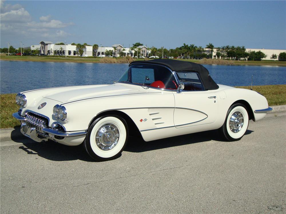 1960 CHEVROLET CORVETTE CONVERTIBLE - Side Profile - 96574
