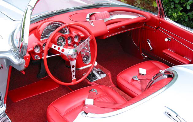 1962 CHEVROLET CORVETTE CONVERTIBLE - Interior - 96575
