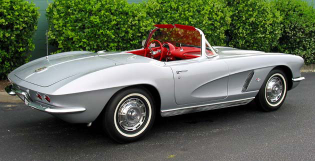 1962 CHEVROLET CORVETTE CONVERTIBLE - Rear 3/4 - 96575