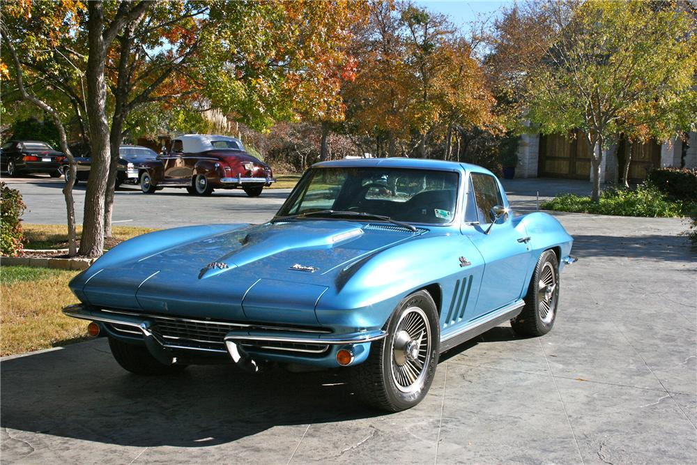 1966 CHEVROLET CORVETTE COUPE - Front 3/4 - 96580