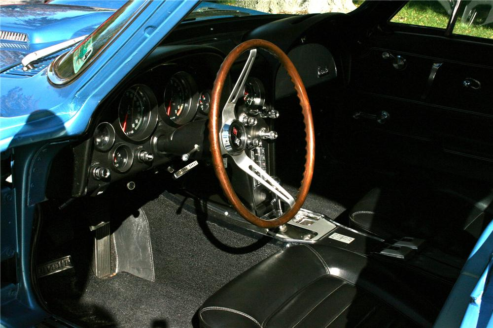 1966 CHEVROLET CORVETTE COUPE - Interior - 96580