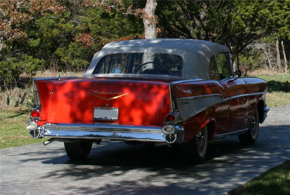 1957 CHEVROLET BEL AIR CONVERTIBLE - Rear 3/4 - 96581