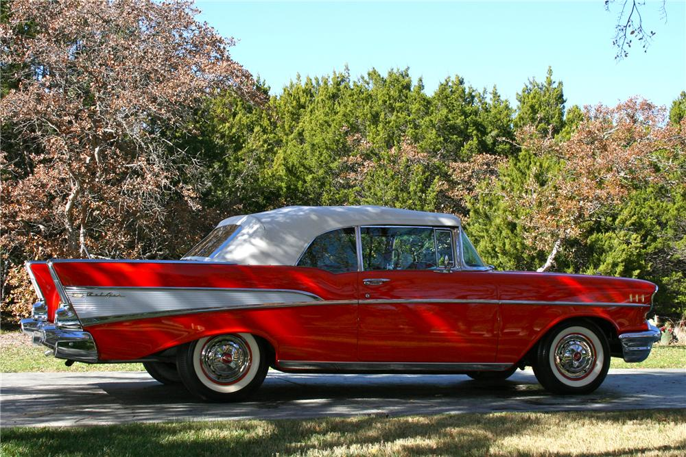 1957 CHEVROLET BEL AIR CONVERTIBLE - Side Profile - 96581