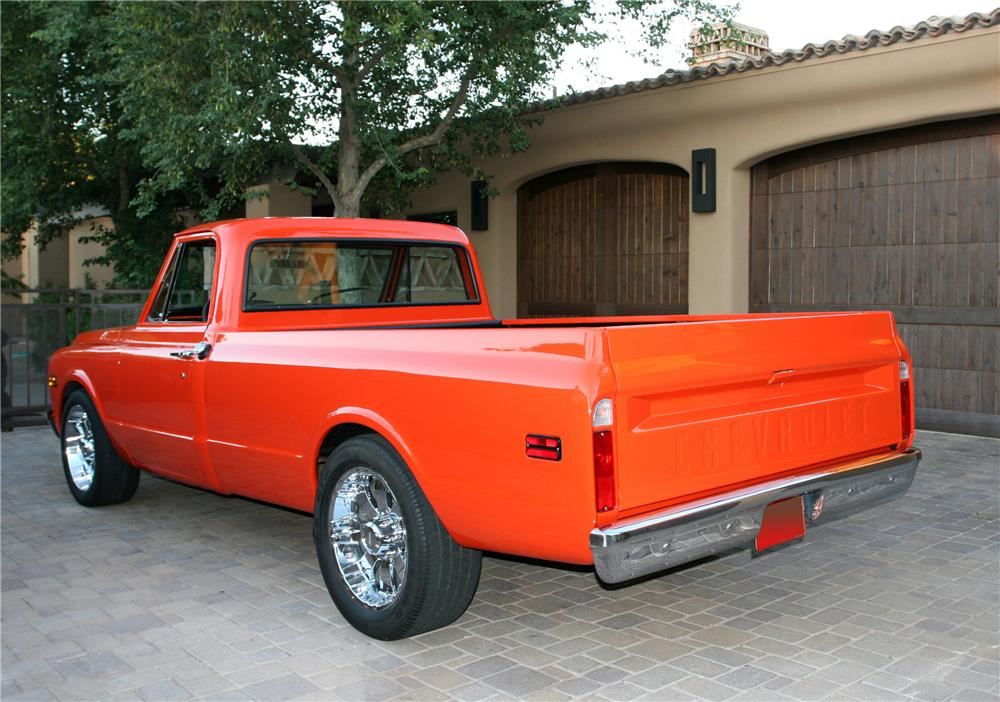 1971 CHEVROLET C-20 CUSTOM PICKUP - Rear 3/4 - 96590