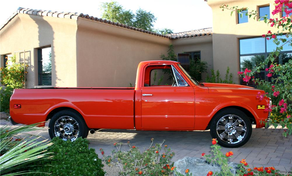 1971 CHEVROLET C-20 CUSTOM PICKUP - Side Profile - 96590