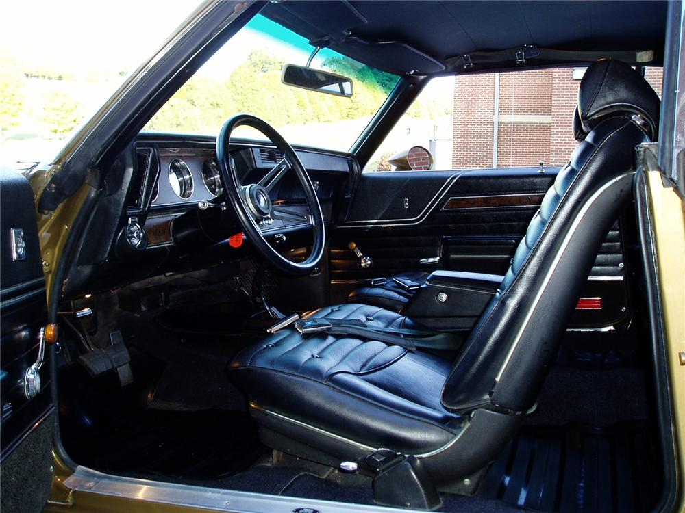 1970 OLDSMOBILE 442 W30 COUPE - Interior - 96592