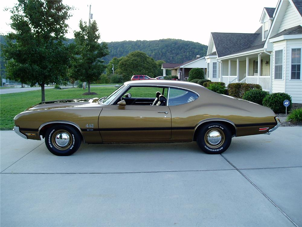 1970 OLDSMOBILE 442 W30 COUPE - Side Profile - 96592